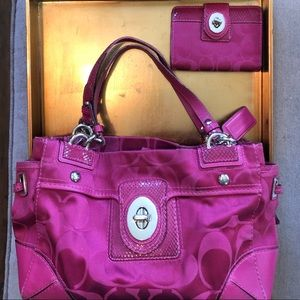 Coach tote bag and matching wallet in pink